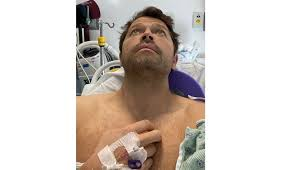 Misha Collins had a surgery! (Pictures) -