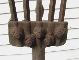 name this antique gardening tool jon