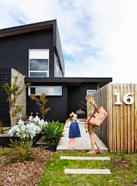 Modern Fence Wall Designs And Front Yard Fence Design Ideas In 2020 House Exterior Black House Exterior