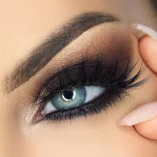 smokey eye makeup blue eyes cat eye