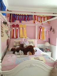 6 Easy Horse Themed Bedroom Ideas For Horse Crazy Kids Horse Themed Bedrooms Horse Decor Bedroom Horse Girls Bedroom