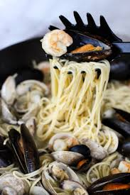 Easy Seafood Pasta with White Wine ...