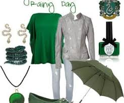 Image by Abigail Beck in 2020 | Slytherin fashion, Slytherin clothes, Geek  clothes