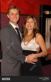 Aaron Staton Wife Image & Photo (Free Trial) | Bigstock