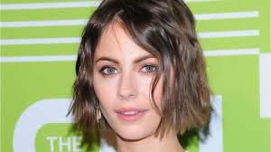 Willa Holland Officially Leaves 'Arrow' - YouTube