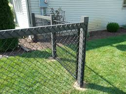 Chain Link Fence On Wood Post Backyard Fences Black Chain Link Fence Fence Design