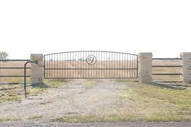 Berry Raley S Custom Fence Company Custom Gates Gate Operators In The Crawford Waco Central Texas Areas