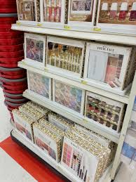 new e l f holiday 2016 sets target