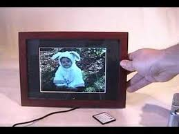 how to use a digital picture frame