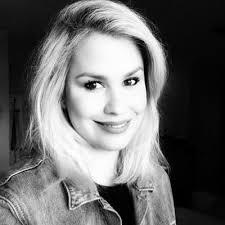 "Adriana Arrieta on Twitter: ""@12YearsASlaveUK @TheAcademy #SOSVenezuela"""