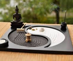 miniature desktop zen garden