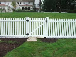 With A Contemporary Picket White Pvc Fence You Don T Have To Worry About Keeping Up With The Paint For Your White Picket Picket Fence White Picket Fence Fence