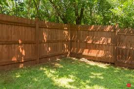 Renovate Your Wood Fence In Minutes