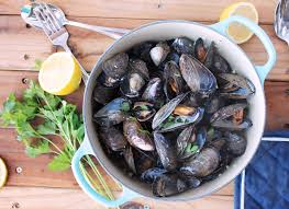 Paleo Mussels in White Wine (Moules ...