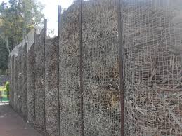 Compost Fence Privacy Landscape Design Design Kleiner Garten Garten Zaun