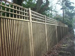 Image Result For Featheredge Fencing With Trellis Closeboard Fence Panels Fence Panels Zen Garden
