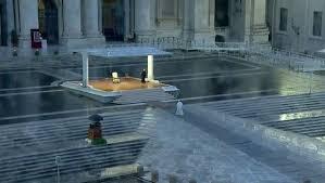 El impresionante rezo en solitario del Papa Francisco en la Plaza ...
