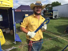Texas Fence Fixer Demonstrates At Anfd The Land Nsw