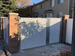 Salt Lake County Ut Chainlink W White Slats Gate