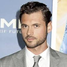 Adan Canto - Bio, Facts, Family | Famous Birthdays