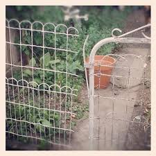 Vintage Wire Garden Fence Gate Nest Vintage Modern Garden Fence Garden Fencing Garden Gates