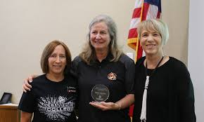 Pam Smith receives Bill and Judy Docking Faculty Achievement Award ...