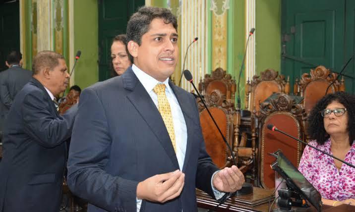 """Resultado de imagem para """"Entrega de ônibus com ar não pode justificar aumento de tarifa"""", brada líder da oposição na Câmara"""""""