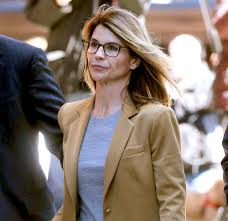Lori Loughlin to 'Express Remorse' During Sentencing in College Case