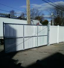 Chain Link Gate With Wing Tip Slats Gates And Railings Pvc Fence Fence