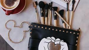 mickey mouse makeup brush