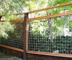 10 Best Hog Wire Fence Design And Ideas For Your Backyard Hog Wire Fence Wire Fence Welded Wire Fence