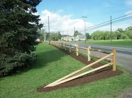 1000 Ideas About Split Rail Fence On Pinterest Rail Fence Fence Landscaping Driveway Fence Front Yard Fence