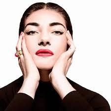 """Maria Callas, chi è: vita privata, carriera, curiosità sulla """"Divina"""" della lirica"""