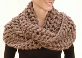 the openwork infinity scarf how to