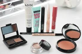 what makeup essentials you should keep