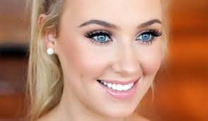 glamorous and bold makeup for prom