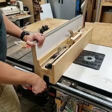 The Most Nerdy Fun I Had Making My Table Saw Fence Was Building All These Custom Tool Holders Into The Top Of The Fence In 2020 Table Saw Fence Tool