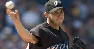 Dodgers sign right-hander Dustin McGowan to one-year contract ...