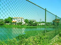 Chain Link Fence With Pvc Coated Is Lightweight And Perfectly Resists Aggressive Environmental Influences And It Has A Chain Link Fence Mesh Fencing Wire Mesh
