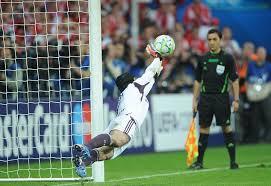 Champions League Final 2012, FC Bayern... - Saving a penalty on ...