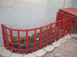 and quick diy garden fence to