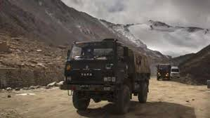 Stand-off with PLA pushes India to go for new snow-free axis to Ladakh - india news - Hindustan Times
