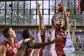 Reggio Emilia inflicts the first loss to Olimpia 77-73