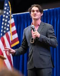 RJ Mitte talks obstacles, opportunity in disability - News - The Hays Daily  News - Hays, KS