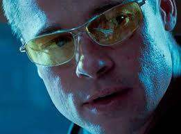 Resultado de imagen de gafa cristales amarillos en el cine