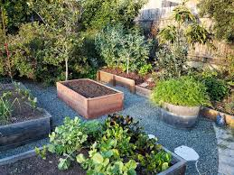 how to fill a raised garden bed build