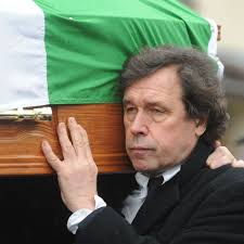 Stephen Rea carries coffin of ex-wife Dolours Price at ex-IRA woman's  Belfast funeral - Irish Mirror Online
