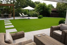 artificial lawns with synthetic grass