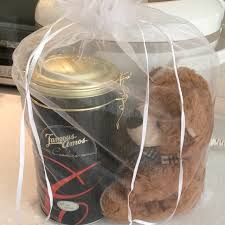 famous amos gift set with tin and bear
