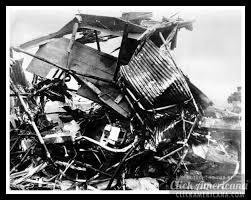 Knute Rockne's TWA airplane crashes - The football legend among the 8  killed (1931) | Crash, Knute rockne, Twa